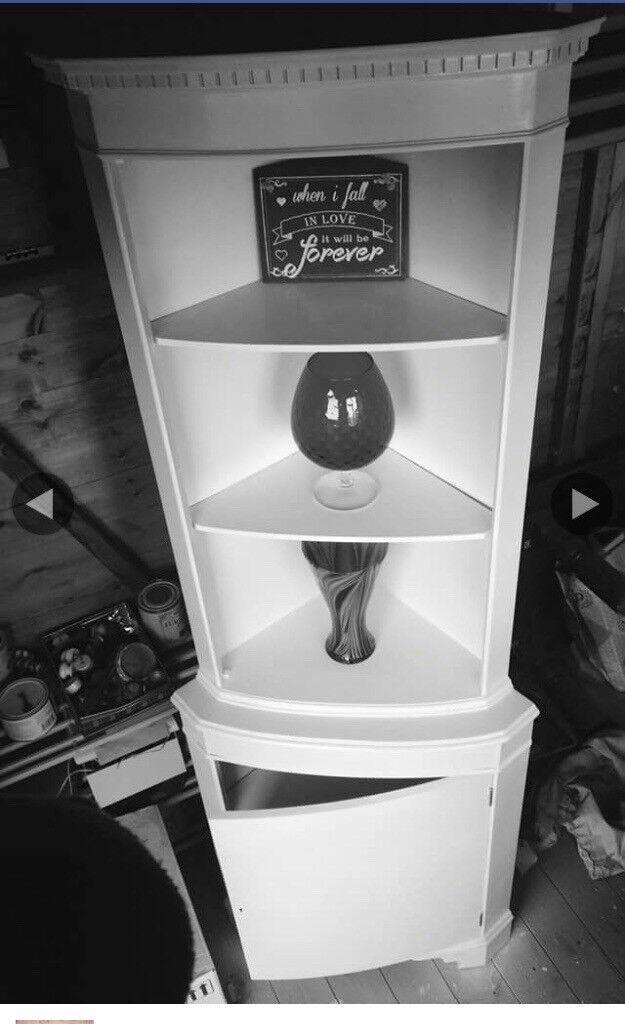Corner unit storage