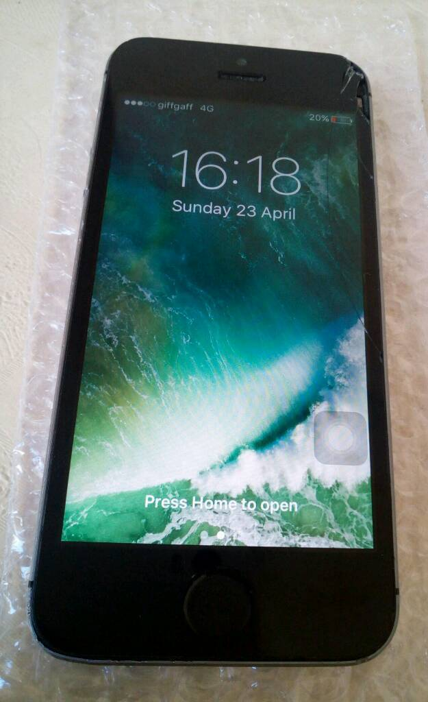Iphone 5s 16gb o2/giffgaff please readin Blackburn, LancashireGumtree - Iphone 5s 16gb o2/giffgaff space gray slightly faulty IPhone works however no fingerprint and has a cracked screen Iphone only nothing elseBack and sides in good condition£55