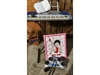 keyboard & Drum Machine & Picture