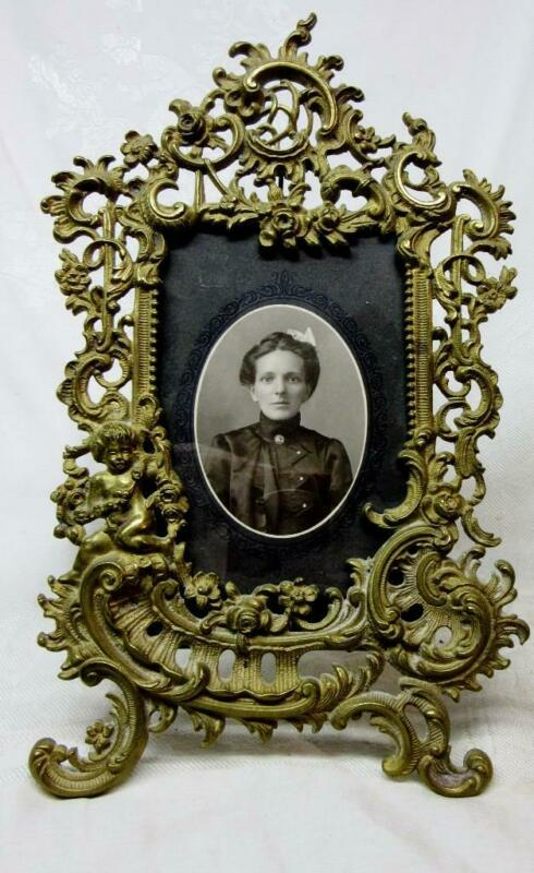 ORNATE Easel Style ANTIQUE BRASS PICTURE FRAME with FLOWERS & CHERUB