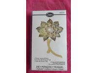 Sizzix Flower Layers & Stem Die, Ref Number: 658230 (Cardmaking & Papercraft)