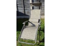 Reclining Garden Chair with Sun Shade and Carrying Case