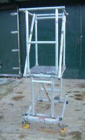 Youngman Minit Anti Surf Podium Steps 1m Platform Aluminium Scaffolding Tower