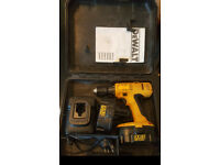 DeWalt power drill - 18V - 2.0aH with 2 batteries and charger!