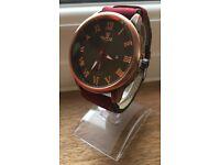 Valia Men Quartz Watch with Date Display Leather Strap Decorative Sub-dial
