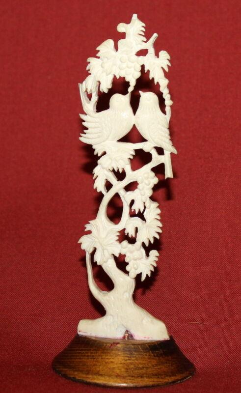 Vintage+European+Handcrafted+Plastic+Floral+Grapes+Birds+Figurine