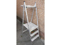 3 Tread Step Ladder with Folding Tray