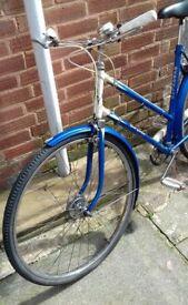 Hercules New Yorker: Vintage Ladies Bicycle 20 inch Frame 26 inch wheel 3 speed Blue