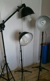 PHOTOGRAPHY STUDIO LIGHTING SET With 3 LIGHTS AND STANDS