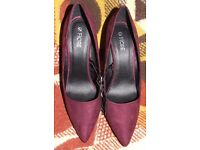 Fiore Court High Heels Burgandy Size 3 RRP £17