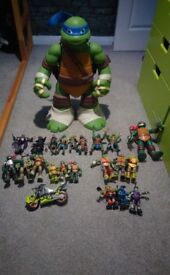 TMNT bubdle. Toys. Figures. Leo playset.