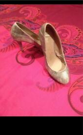 New gold heel shoes