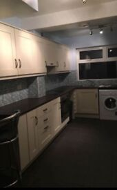 Double bedroom to rent shared home off Lisburn road Belfast BT9 £250 per month plus shared bills