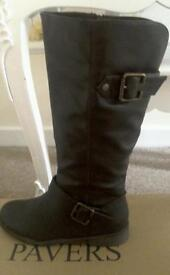 New brown leather boots by Pavers size 7