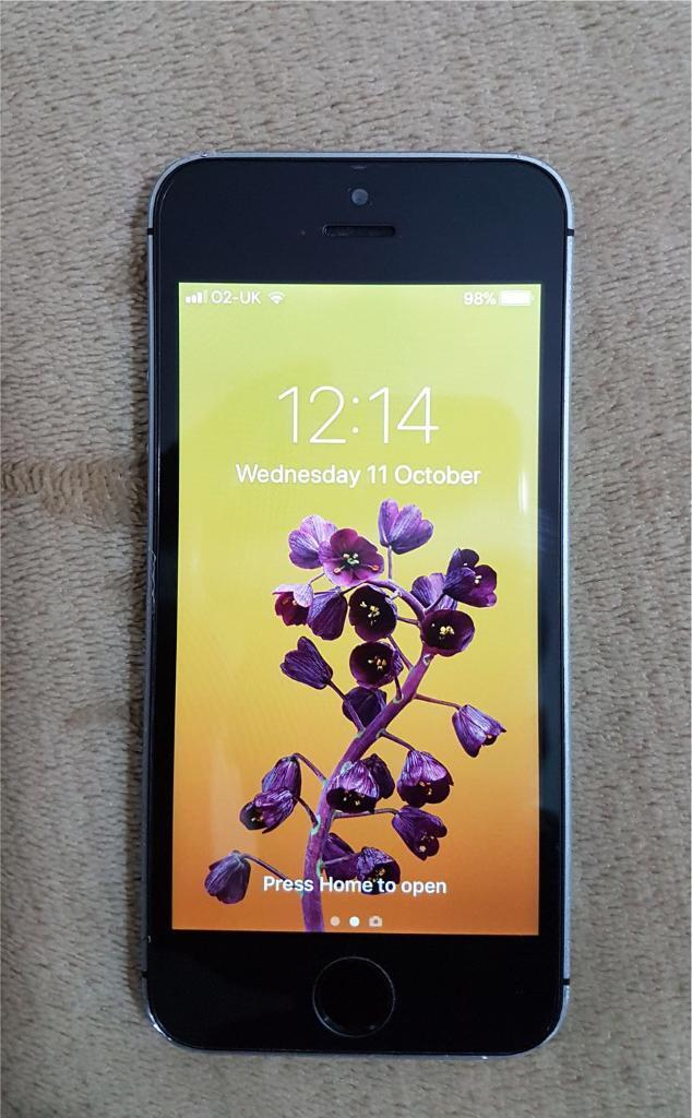 iPhone 5S 16GB Space Grey Unlocked