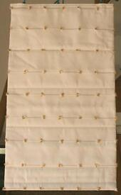 ROMAN BLIND - CREAM HEAVY LINEN WITH TUFTING DETAIL