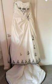 MARK LESLEY WEDDING DRESS BNWT