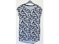 Brand New Women's Size XS Bench T-Shirt - Grey and Black