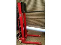Manual Pallet Lifter Warehouse Stacker truck 1500kg 1.6m Adjustable Forks NEW 12 months warranty