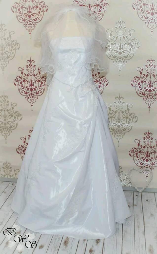 New Wedding dress with underskirt