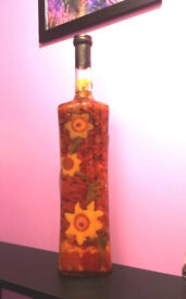 Kitchen Décor Ornament Vinegar Infused Bottle with Colourful Peppers