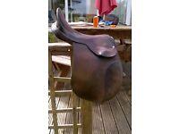 Walsall English Saddle 16 1/2 seat
