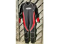 Adult Mens wetsuit large to XL