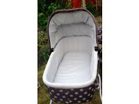 Beautiful Mamas & Papas pushchair carrycot + brand new extras. Suitable from birth.