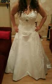 Wedding dress size 16 fits 12, 14, 16