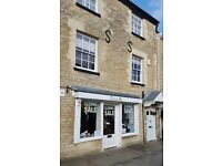 Shop to rent in the High Street of Woodstock, fantastic location