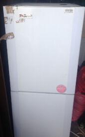 fridge freezer hoover HNC 5143W frostfree DOOR HINGE BROKEN