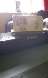 Beswick butter dish,(happy),..mint condition.