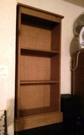 2 bookcase shelves