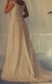 Leanna Ivory Bridal Gown