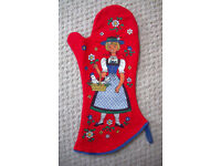 ** NEW ** reversible, brightly coloured, kitsch oven glove, mitt or pan grab. 100% cotton.