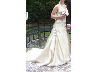 Beautiful Champagne Size 10 Wedding Dress. £25.00 !!!! Vgc from smoke free and pet free home