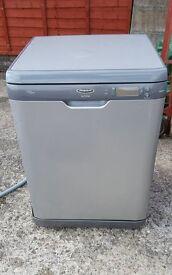 Hotpoint Ultimate DWF70 Dishwasher