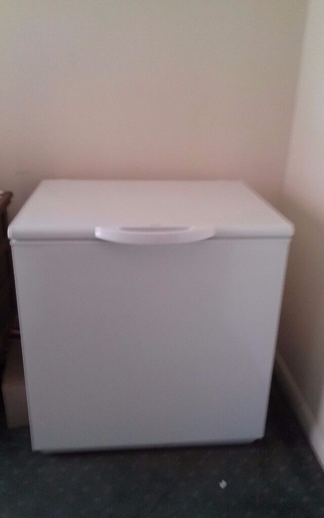 Small zanussi chest freezer in portsmouth hampshire for Ikea chest freezer