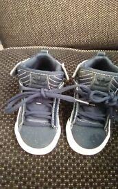 Boys junior Adidas high top trainer boots navy blue never worn
