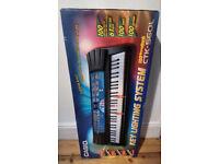 Casio CTK-520L Keyboard, Key Lighting System, Book Stand, Instruction Manual & Box