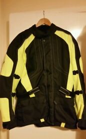 MOTORBIKE MOTORCYCLE WATERPROOF JACKET SIZE - M (38-40) been used cash sale