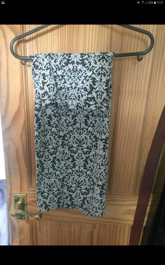 Black and white skirt size 14