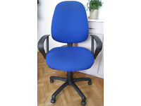 Office / computer chair - Blue with adjustable backrest and height
