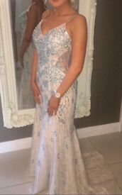 Embellished Formal Dress Size 8💎
