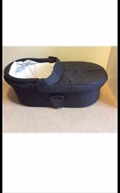 Mamas & Papas carry cot with new mattress