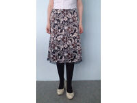 BEAUTIFUL FLORAL PRINT SKIRT SIZE UK 8 or 10- FREE DELIVERY ALL LONDON