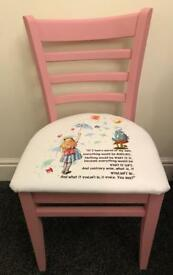Alice in wonderland occasional feature chair
