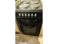 Electric cooker. 4 Hob with Oven and Grill.