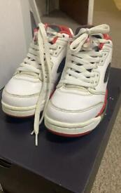 Air Jordan iv retro size 4