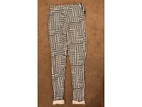 Size 8 Aztec leggings